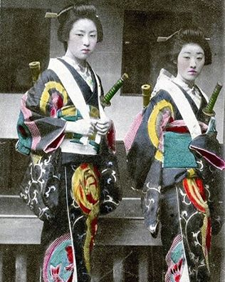 Japanese-warriors-kimonos-inspiration-petty-thing