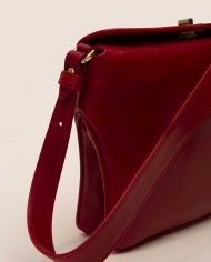 ROJO-chloe-lady-bag-leather-red-Petty-Things-side-detail